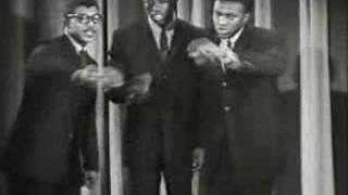 In the Still of the Night - Fred Parris and The Satins