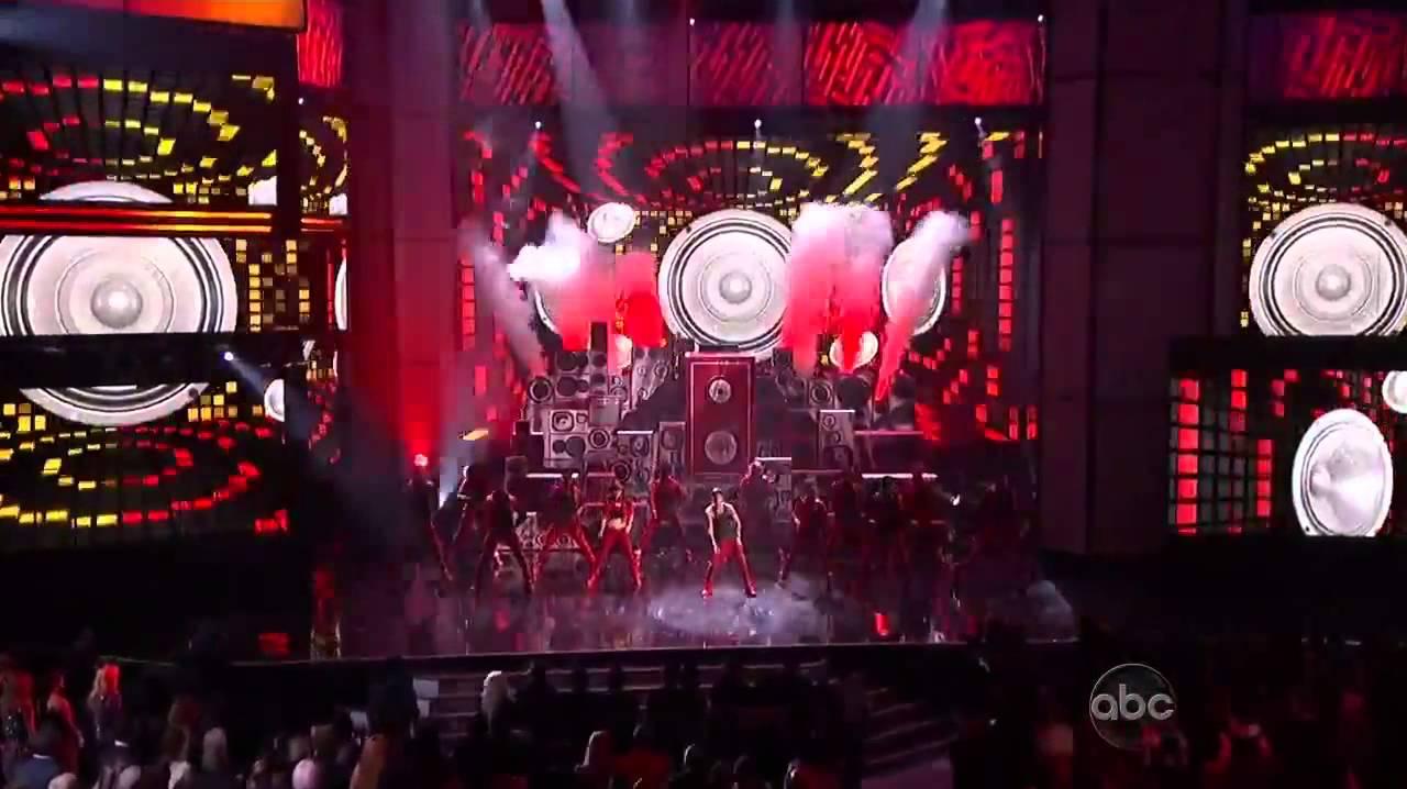 Download Justin Bieber   Nicki Minaj 'Beauty and a Beat' During 2012 American Music Awards Performance MP3 Gratis
