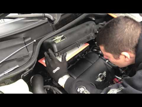 HOW TO: Mini Cooper S R56 - Air Filter Replacement (Easy DIY)