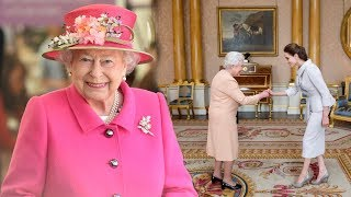 The Queen: 8 things you should NEVER do when meeting Her Majesty