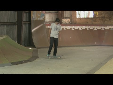 Get Foot Placement Tips for Ollies : Skateboarding Tips