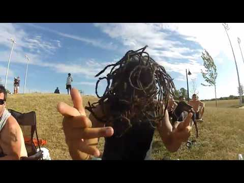 How-to Shake them DREADS!