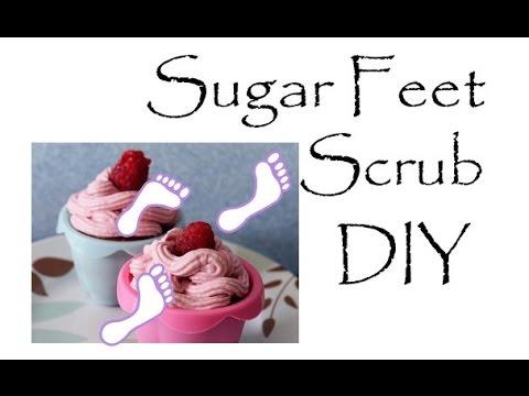 DIY Sugar Feet Scrub (Only Two Ingredients)!