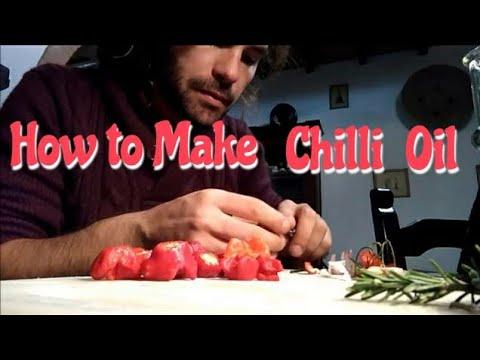 How to Make: italian chilli olive oil - come preparare l'olio al  peperoncino