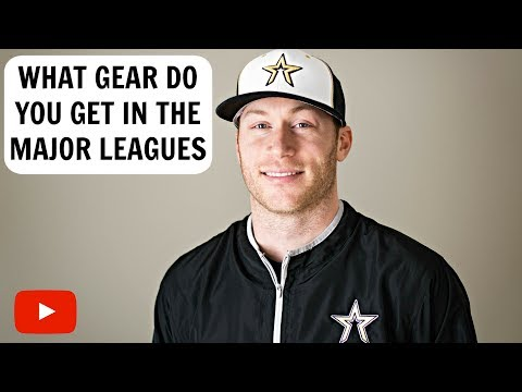 What Gear Do You Get In MLB?