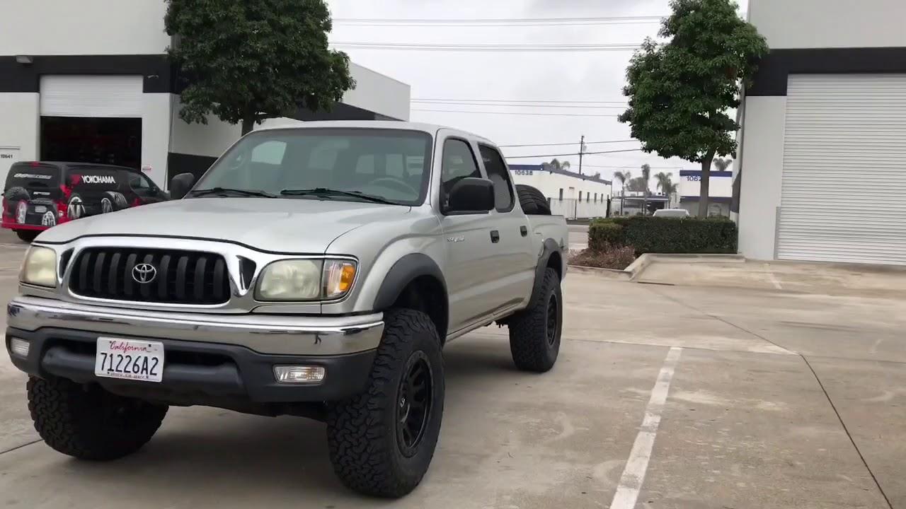 03 Toyota Tacoma Prerunner Leveled on 33's