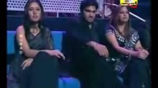 Shreya Ghoshal - Jaadu Hai Nasha Hai - live in Black Sari.mp4