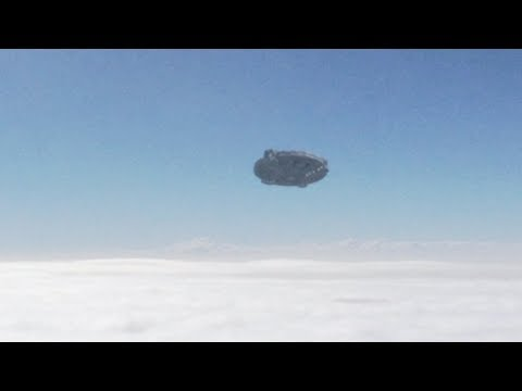 UFO caught on camera from airplane in the sky of CALFORNIA - USA !!! May 2018
