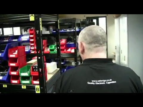 2013 - A day at a UK E-cig shop (Safercigs!)