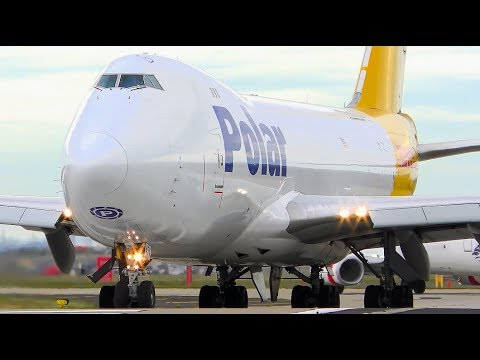 5 EXTREMELY CLOSE UP Boeing 747 Takeoffs   Melbourne Airport Plane Spotting