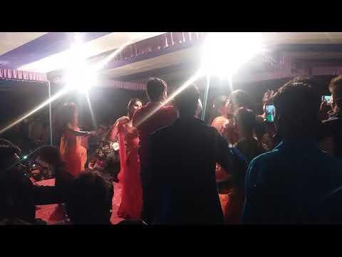 Xxx Mp4 अक्षरा सिंह का सुपरहिट डांस Khesari Aur Akshara Ek Sath Stage Par Kiya Bawal 3gp Sex