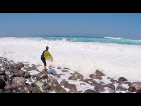 Dangerous Rocks And Paddle Out At Jaws!