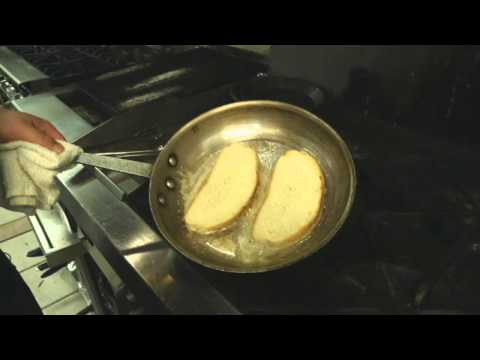 How to Make Garlic Toast in a Grill Pan on Top of the Stove : Simple Recipes & Cooking Tips