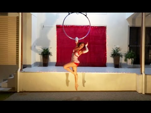 Pinup Girl Lyra / Aerial Hoop Performance