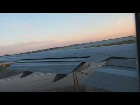 Qantas Boeing 747 leaving JFK for LAX