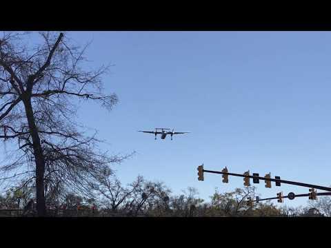 American Eagle Dash 8-300 landing at Hilton Head Island Airport