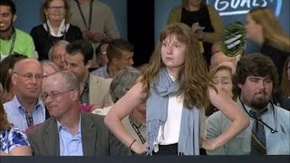 Woman Who Grilled Donald Trump at Event is Actually a Jeb Bush Intern