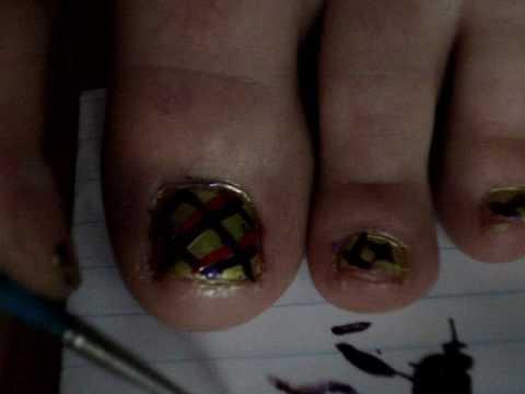 Bright Plaid Toes!