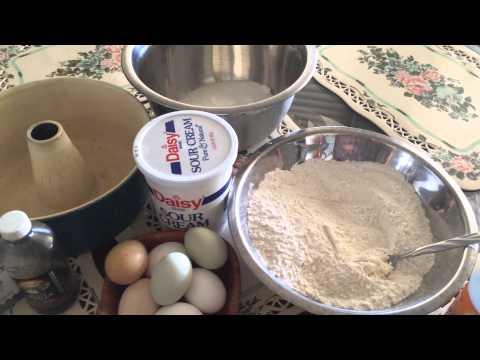 Sour Cream Pound-Cake