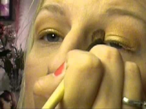Dorothy (wizard of oz) Inspired Tutorial Part 1 Golden Makeup