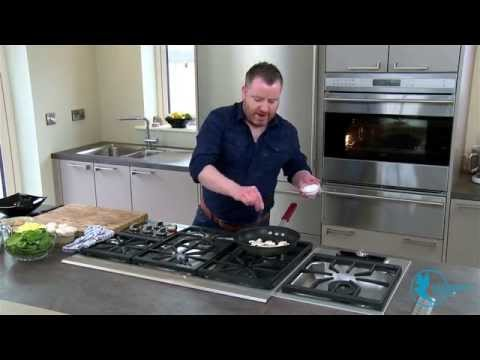 Mushroom Spinach & Cheddar Omelette