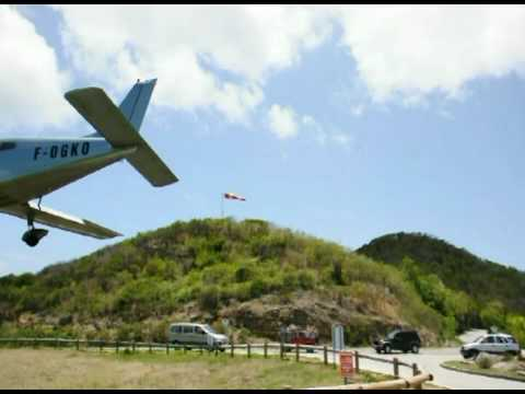 Dangerous landing in St Barth PA-28 - The real stuff