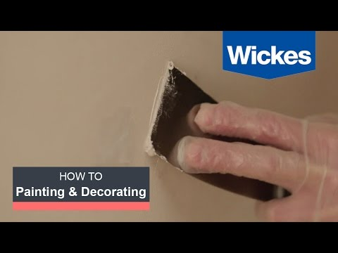 How to Repair Small Holes and Cracks in Walls with Wickes