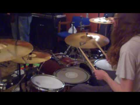 Mapex Drum Set, With Evans Heads and Paiste Alpha Cymbals (Gear Overview)