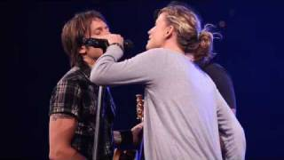 Keith Urban, Sugarland sing Seven Bridges Road by The Eagles