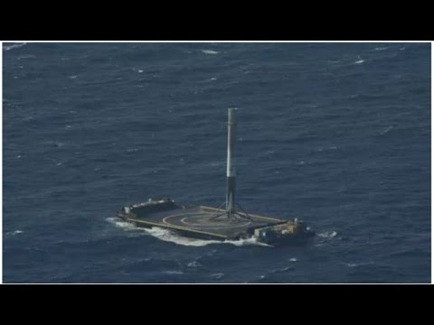 SpaceX Just Landed A Rocket On A Tiny Barge In The Middle Of The Ocean - Newsy