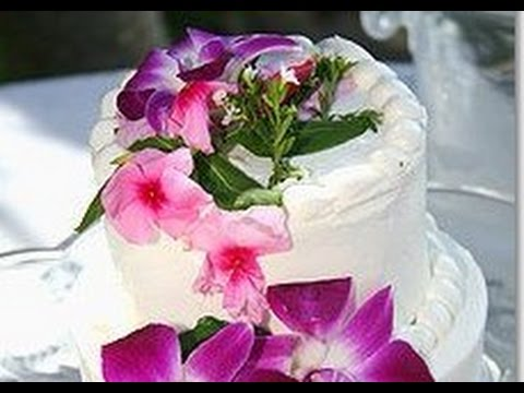 Hawaiian Flower Wedding Cake