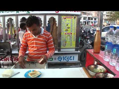 Cheese Butter Toast Sandwich at Lunsiqui sandwich cart, Navsari, (توست الزبدة .. اكلات هندية)