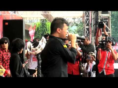 Ahmad Dhani Hibur Warga Semarang