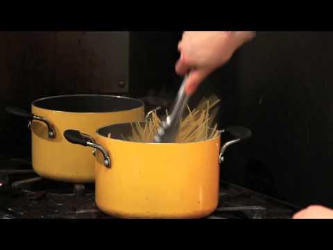 How to Make Thin Spaghetti : Spaghetti & Pasta Tips