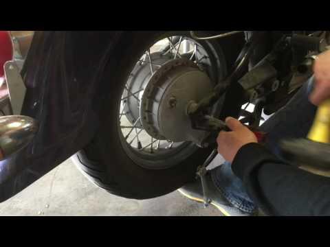 2006 Suzuki Boulevard Replace Rear Tire