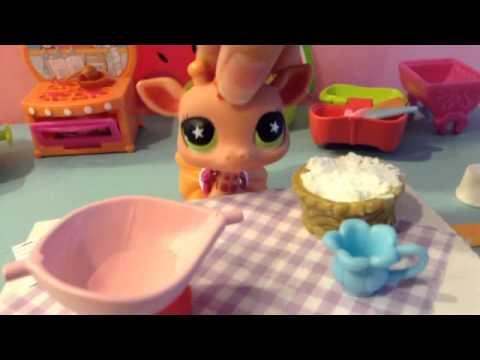 LPS Baking a Vanilla Cake!