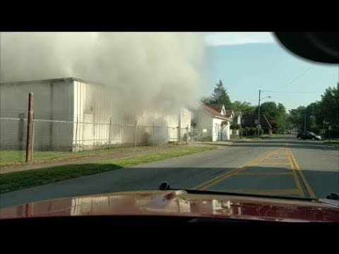 Newark Ohio Fire Department 2 Alarm Commercial Structure Fire Incident Command with Audio