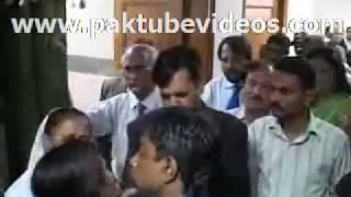 Mustafa Kamal shouting at girls http://www.pkvideos.net