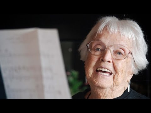 Virginia Barton, 96, teaching music in San Diego