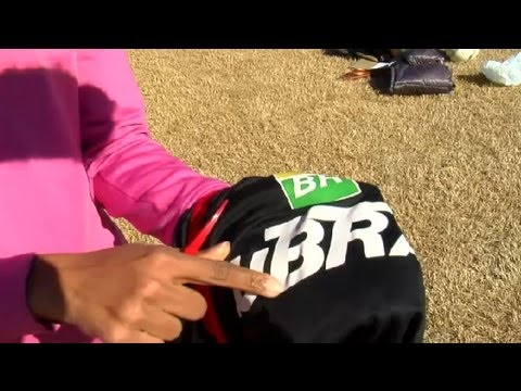 How to Remove a Patch From a Soccer Jersey : Soccer Knowledge