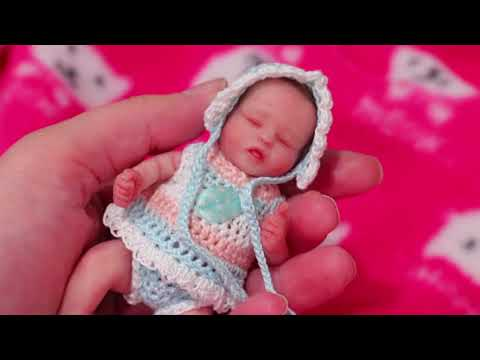 Baby Doll Play with Tiny Baby Gigi ! Toys and Dolls Fun for Kids & Furniture DIY Room