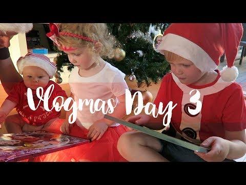 Flashbacks! Putting up the Christmas tree | Vlogmas day 3