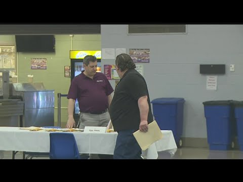 Trained electrician from Salem among job-seekers at manufacturing fair