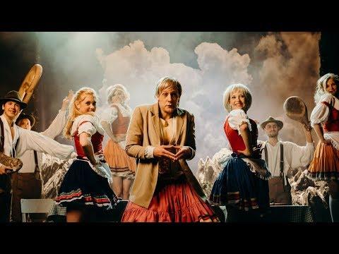 Klemen Slakonja as Angela Merkel - Learn How to Count to 100 in German (Oktoberfest Style)