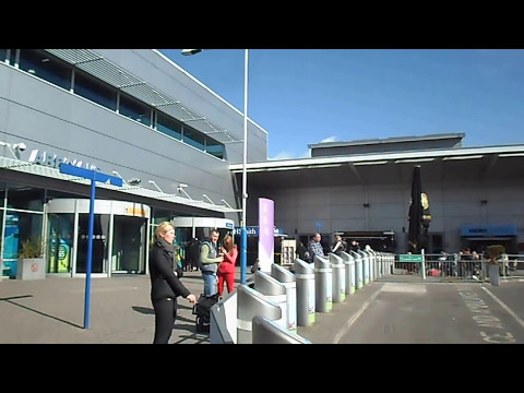 Luton Airport Departures and Arrivals