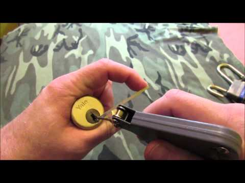 Demo of lock pick gun used on padlocks and deadbolts