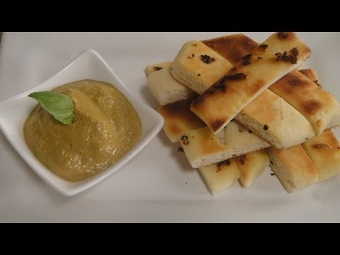 Pita with Roasted Bell Pepper and Walnut Dip | Sanjeev Kapoor Khazana