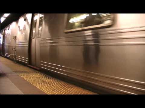 R Train 8th Street NYU