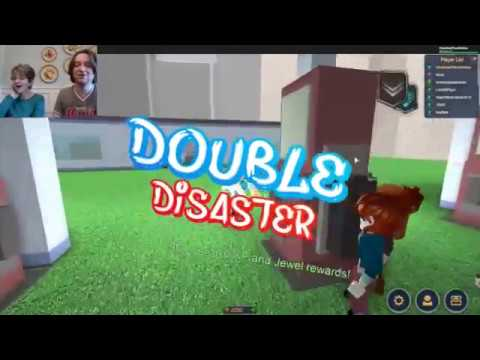 Playing Roblox with my Mom!