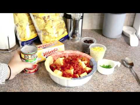 Cheesy Southwest Velveeta & Ro*Tel Queso Dip
